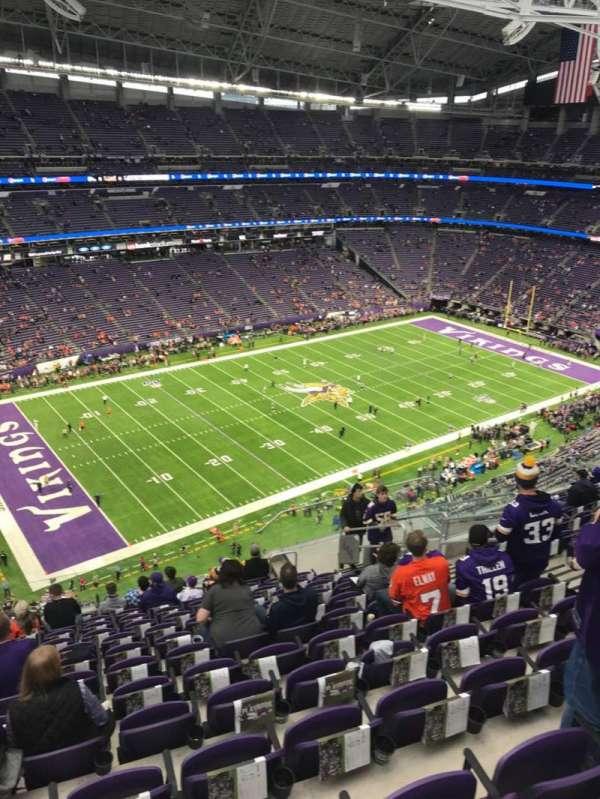 U.S. Bank Stadium, secção: 346, fila: 13, lugar: 9