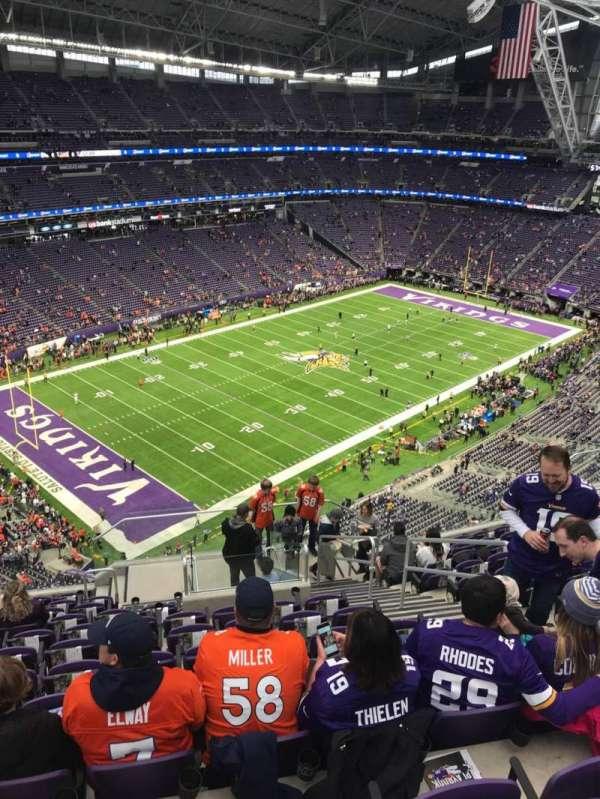 U.S. Bank Stadium, secção: 348, fila: 12, lugar: 5