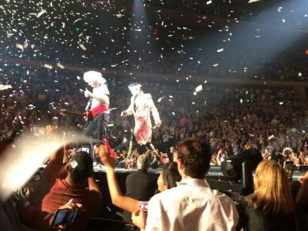 Madison Square Garden, secção: Floor B, fila: 9, lugar: 1