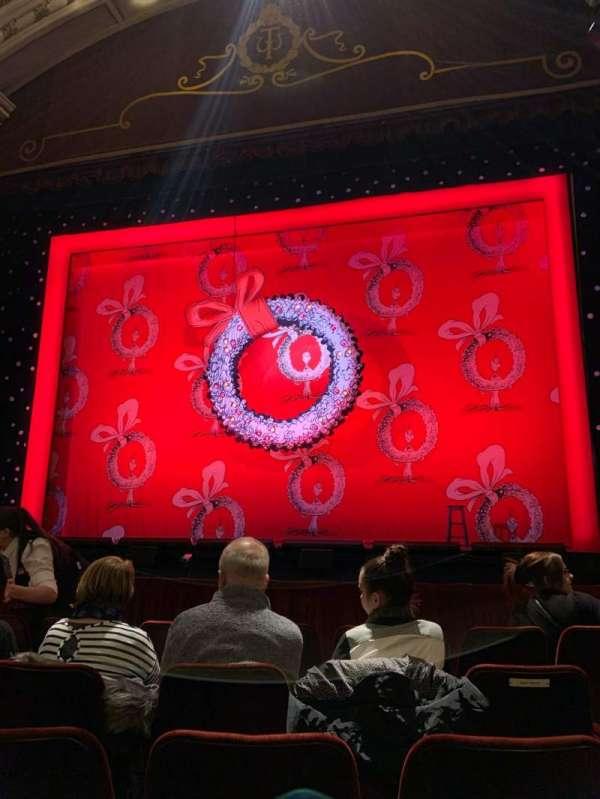New Wimbledon Theatre, secção: Stalls, fila: E, lugar: 10