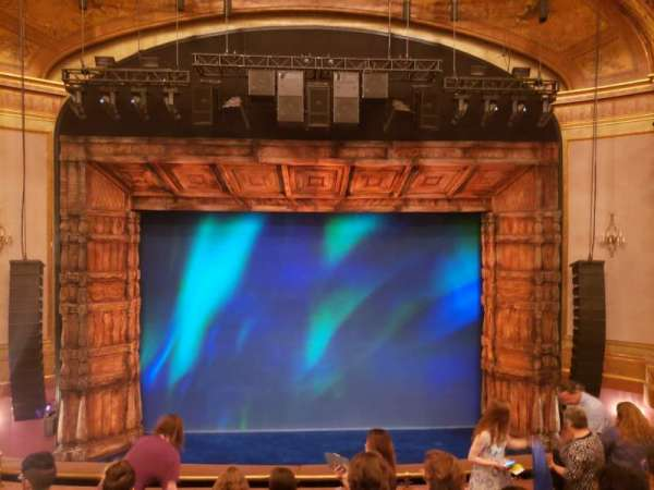 St. James Theatre, secção: Mezzanine C, fila: G, lugar: 107