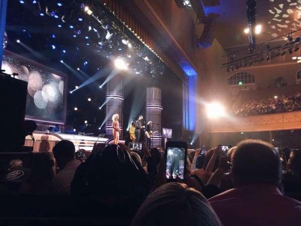 Ryman Auditorium, secção: 8, fila: M, lugar: 2