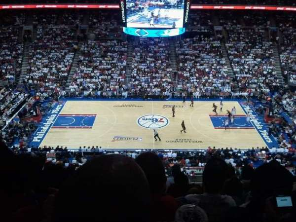 Wells Fargo Center, secção: 201, fila: 7, lugar: 4