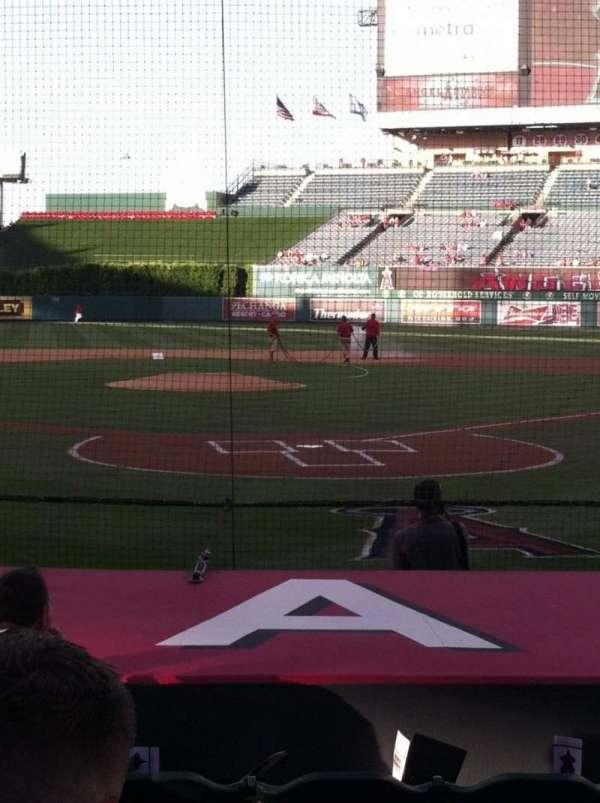 Angel Stadium, secção: 116, fila: E, lugar: 5