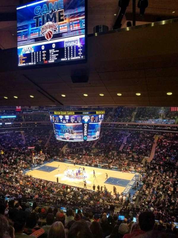 Madison Square Garden, secção: 213, fila: 14, lugar: 15