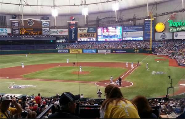 Tropicana Field, secção: 107 Home Club, fila: 106, lugar: RR