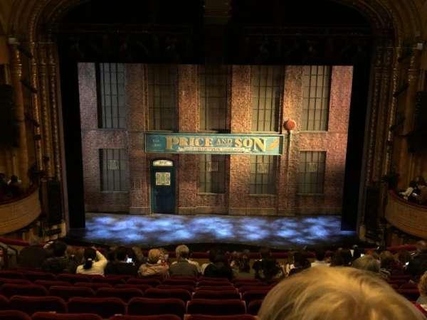 Al Hirschfeld Theatre, secção: Mezzanine C, fila: M, lugar: 108