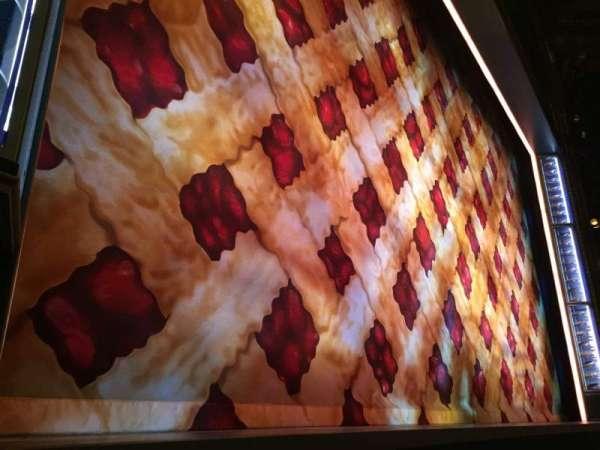 Brooks Atkinson Theatre, secção: Orchestra L, fila: AA, lugar: 7