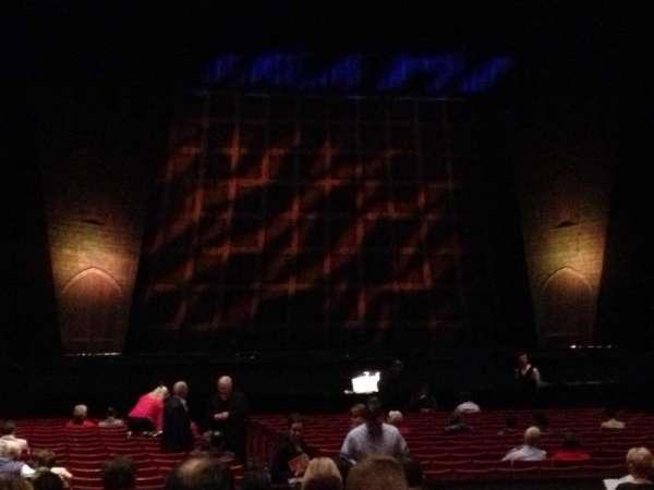 Raleigh Memorial Auditorium, secção: Mezzanine, fila: N, lugar: 5