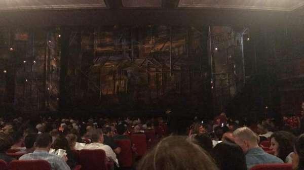 Broadway Theatre - 53rd Street, secção: Orchestra R, fila: T, lugar: 1