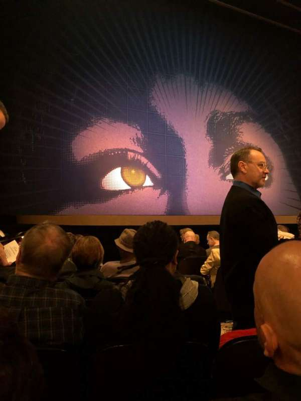 Lunt-Fontanne Theatre, secção: Orchestra L, fila: J, lugar: 5