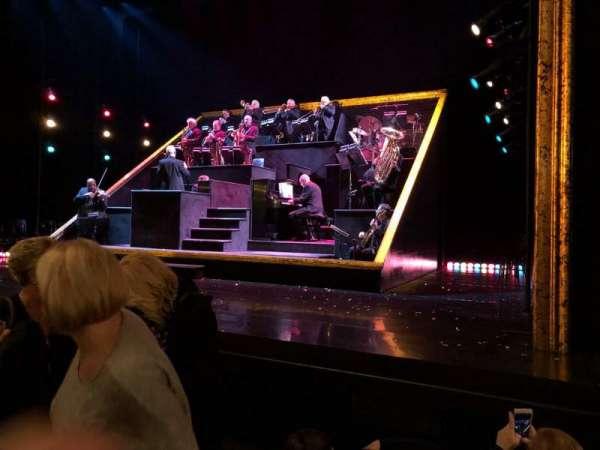 Ambassador Theatre, secção: Orchestra R, fila: C, lugar: 6