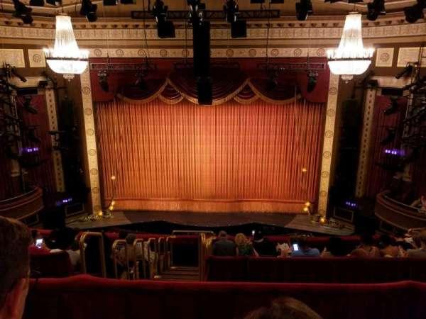 Imperial Theatre, secção: RMezz, fila: B, lugar: 6