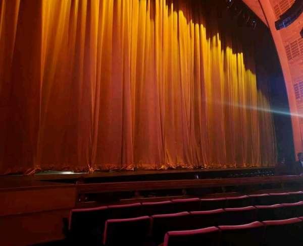 Radio City Music Hall, secção: Orchestra 6, fila: FF, lugar: 602