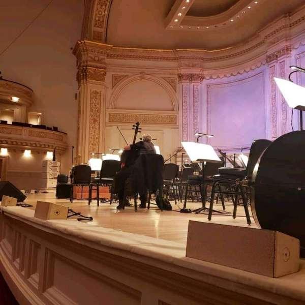 Carnegie Hall, secção: Parquet R, fila: A, lugar: 18