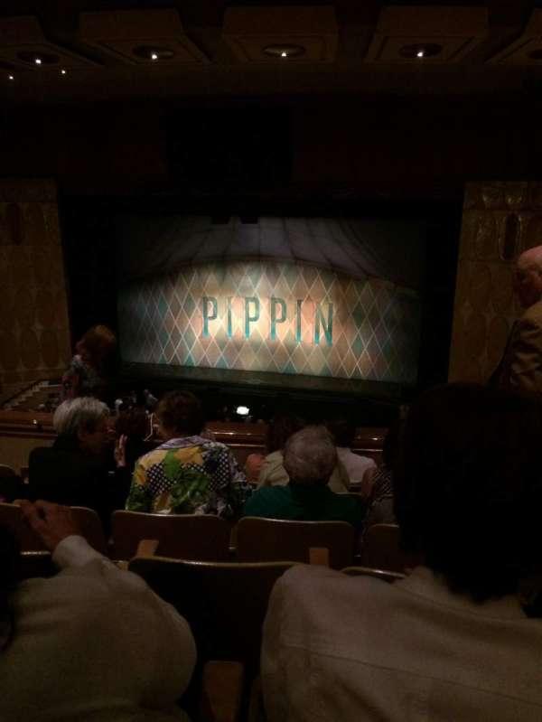 Fisher Theatre, secção: BRCTR1, fila: J, lugar: 120