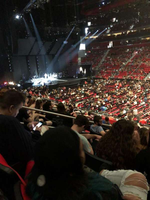 Little Caesars Arena, secção: 120, fila: 17, lugar: 3
