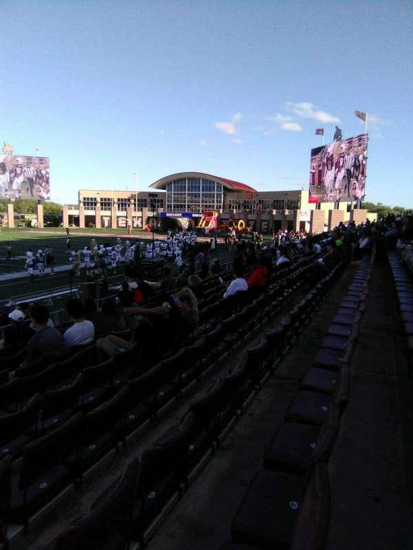 Bobcat Stadium (TSU), secção: 104, fila: 10, lugar: 25