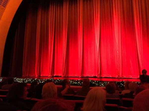 Radio City Music Hall, secção: Orchestra 4, fila: HH, lugar: 401