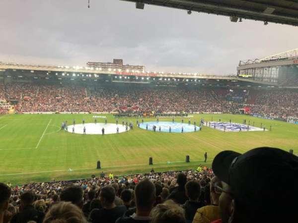 Old Trafford, secção: N2404, fila: 28, lugar: 188