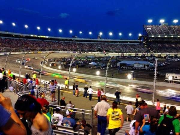 Richmond International Raceway, secção: Henrico ZZ, fila: 17, lugar: 1