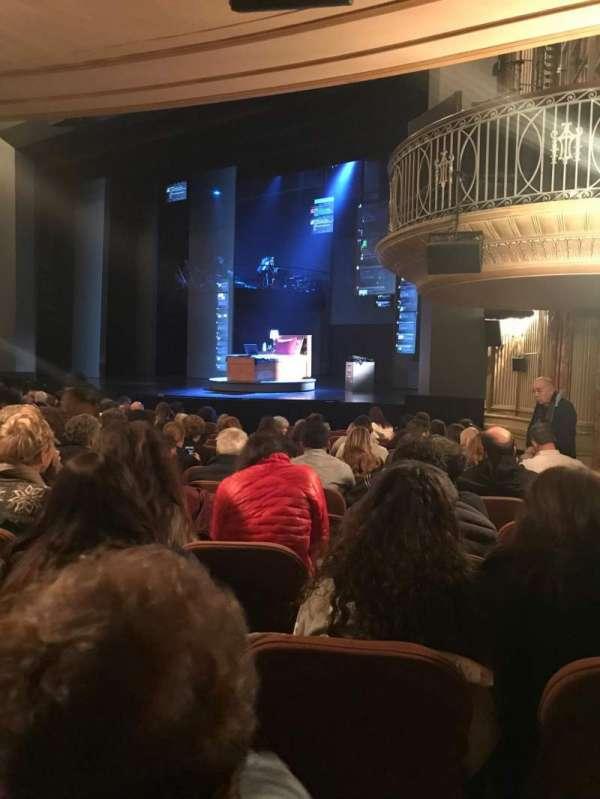 Music Box Theatre, secção: Orchestra R, fila: O, lugar: 28