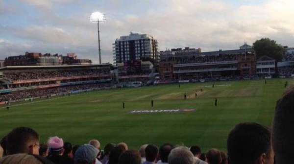 Lord's Cricket Ground, secção: 19, fila: T, lugar: 72