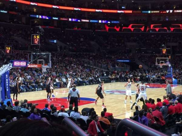 Staples Center, secção: 105, fila: 9, lugar: 1