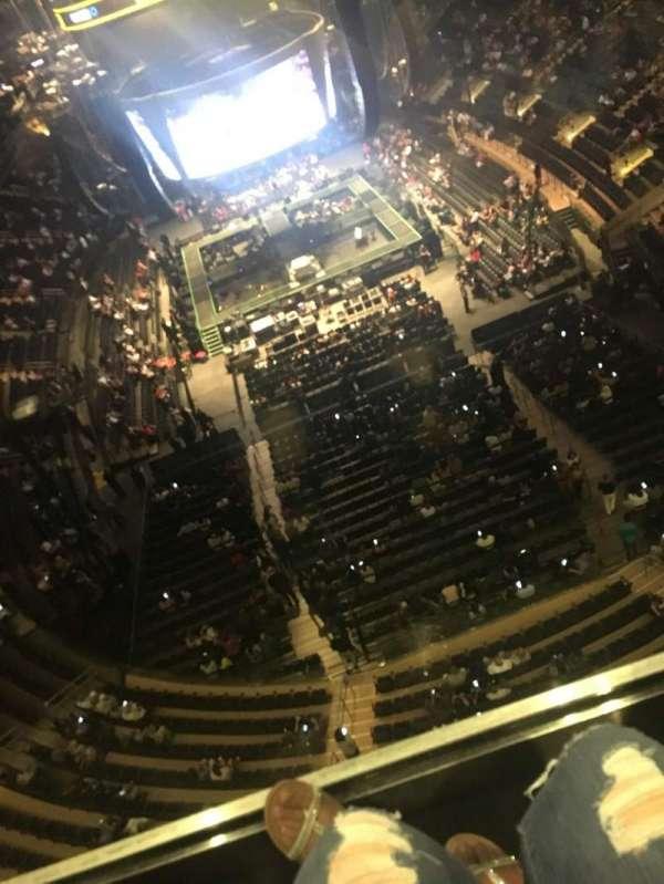 Madison Square Garden, secção: 320, fila: 1, lugar: 17