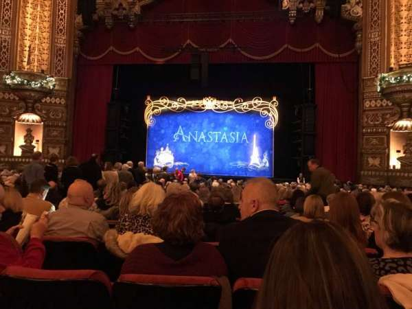 The Fabulous Fox Theatre (St. Louis), secção: ORCH04, fila: V, lugar: 116