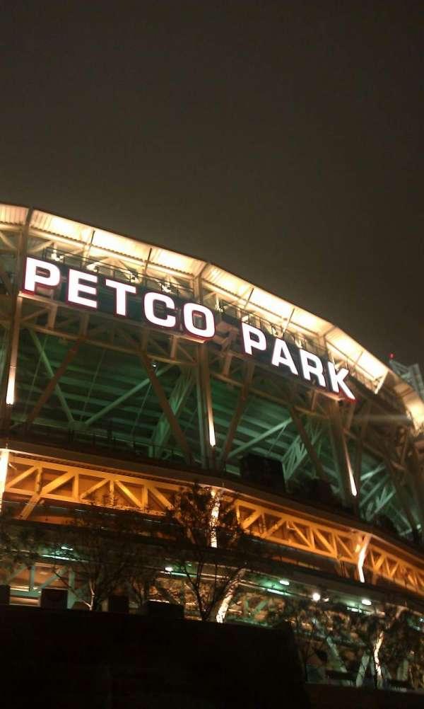 PETCO Park, secção: outside