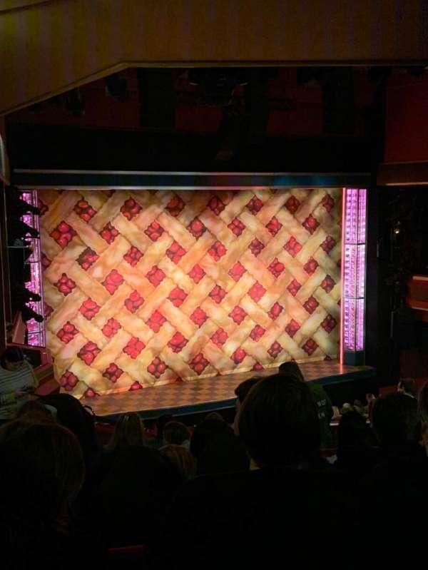 Adelphi Theatre, secção: Dress circle, fila: H, lugar: 33