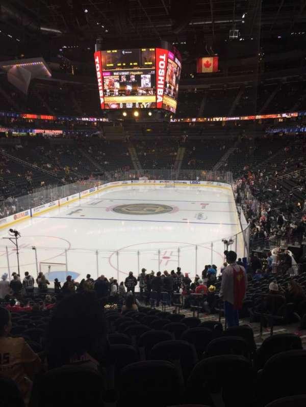 T-Mobile Arena, secção: 1, fila: V, lugar: 18