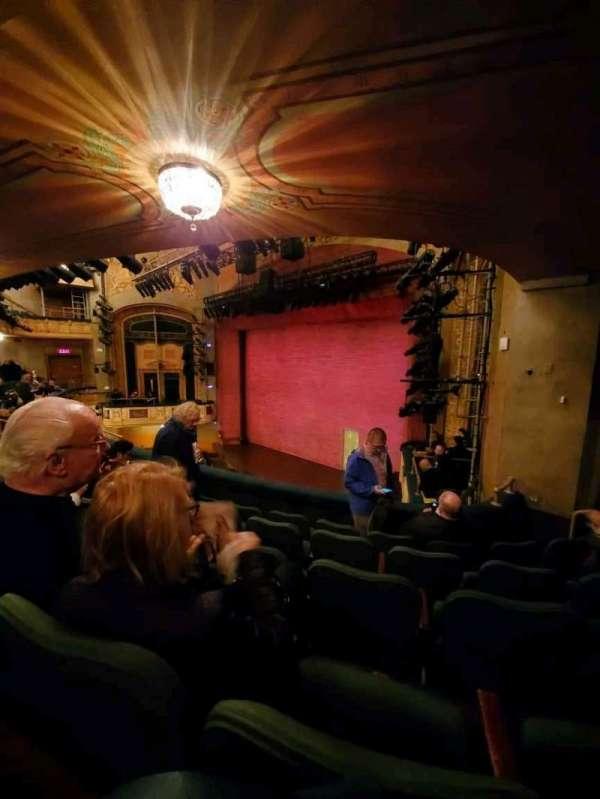 Shubert Theatre, secção: Mezzanine, fila: E, lugar: 28