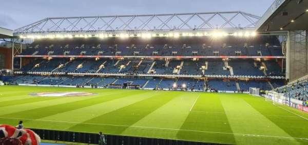 Ibrox Stadium, secção: GF1, fila: U, lugar: 36