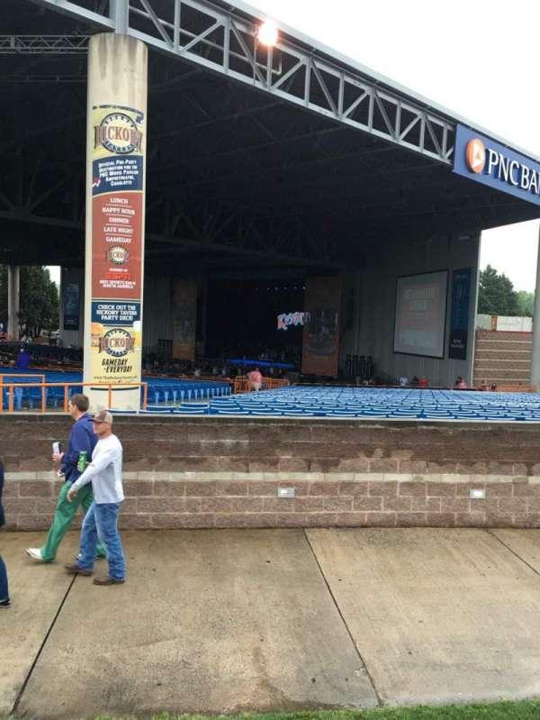 PNC Music Pavilion, secção: 10, fila: A, lugar: 25