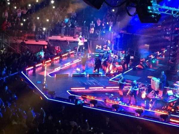Madison Square Garden, secção: 211, fila: 1, lugar: 22
