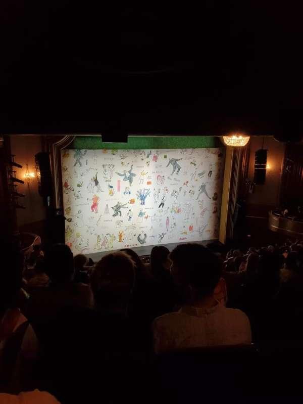 St. James Theatre, secção: Mezzanine L, fila: R, lugar: 15