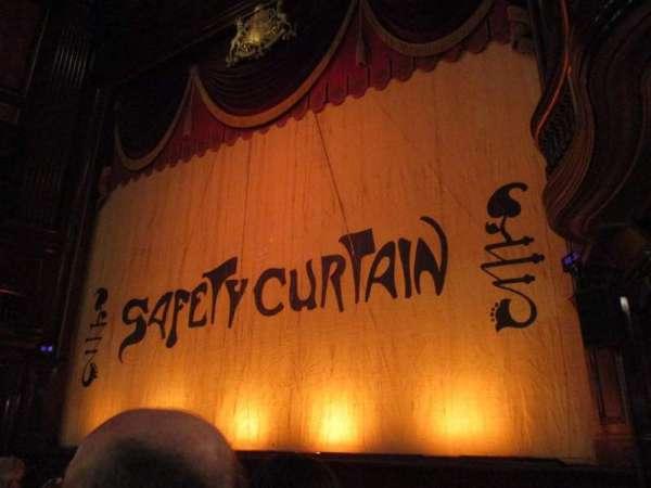 St. Martins Theatre, secção: Stalls, fila: E, lugar: 1