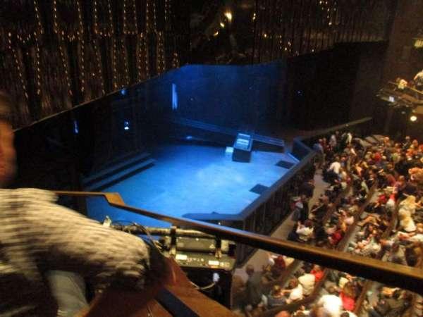 Barbican Theatre, secção: Upper Circle, fila: AA, lugar: 11