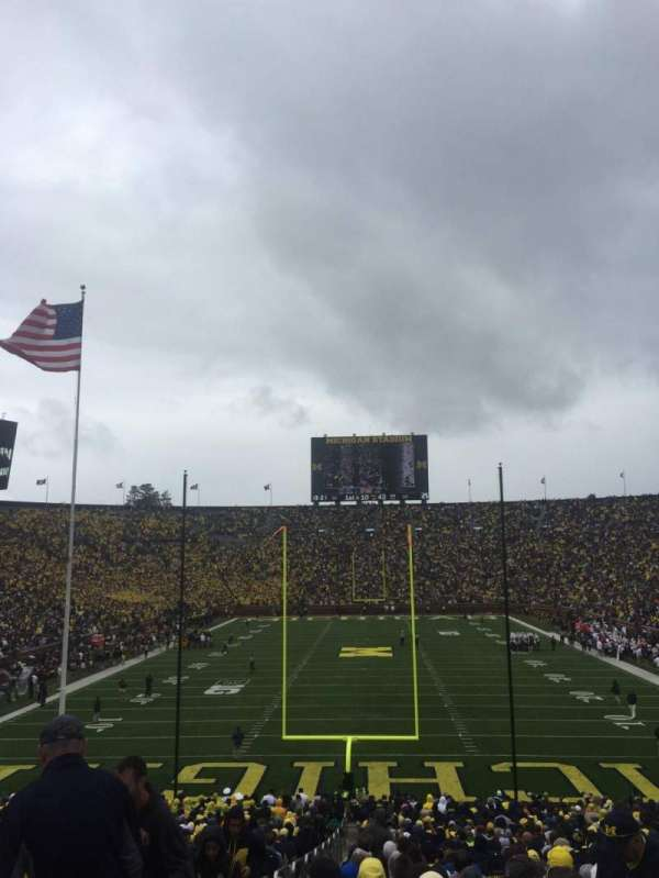 Michigan Stadium, secção: 12, fila: 44, lugar: 13