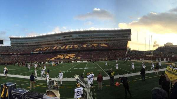 TCF Bank Stadium, secção: 112, fila: 2, lugar: 3