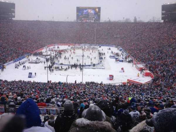 Michigan Stadium, secção: 33, fila: 85, lugar: 9