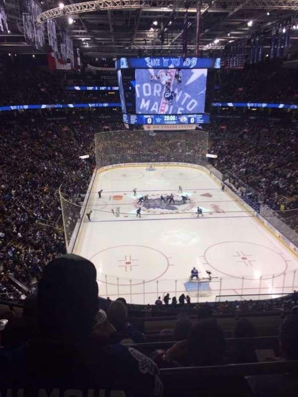 Scotiabank Arena, secção: 304, fila: 5, lugar: 1