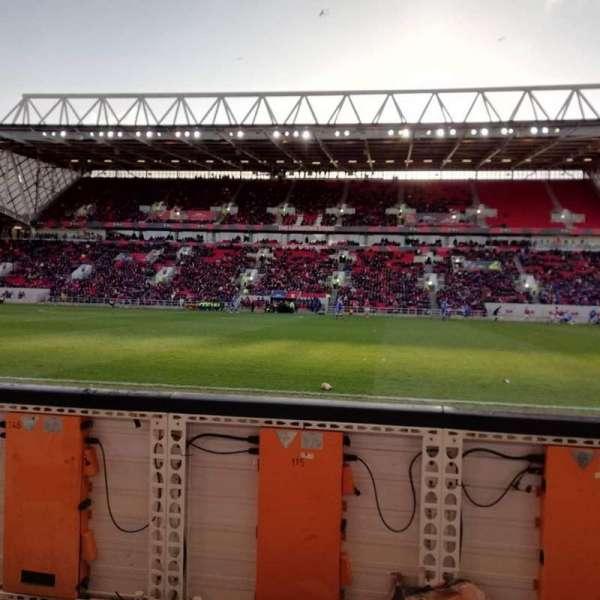 Ashton Gate Stadium, secção: 32, fila: 1, lugar: 13
