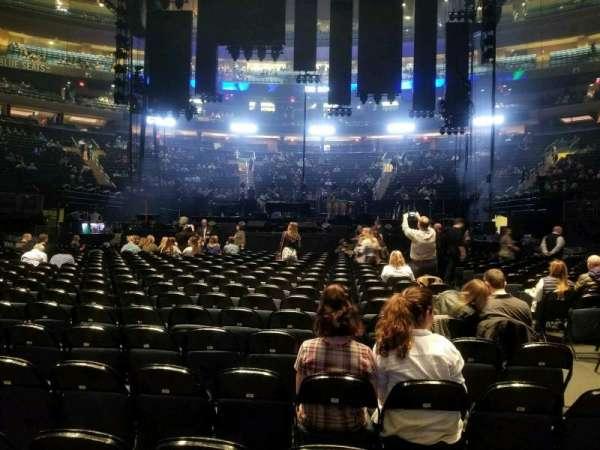 Madison Square Garden, secção: Floor B, fila: 18, lugar: 15
