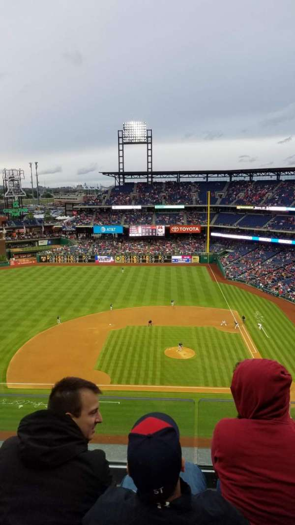 Citizens Bank Park, secção: 425, fila: 3, lugar: 20