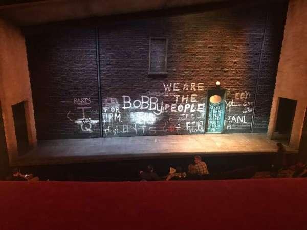 Bernard B. Jacobs Theatre, secção: Mezzanine C, fila: A, lugar: 111