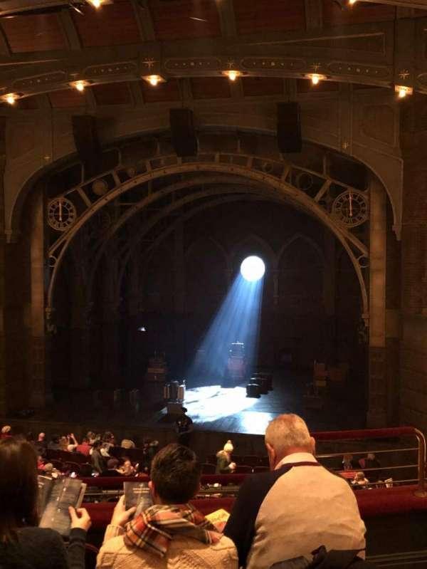 Lyric Theatre, secção: Dress Circle C, fila: E, lugar: 126/127