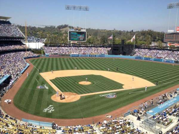 Dodger Stadium, secção: 4rs, fila: A, lugar: 15